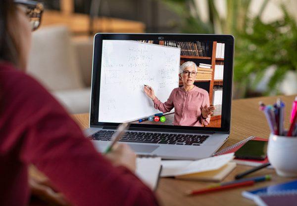 trong doanh nghiệp có nên dạy học trực tuyến không