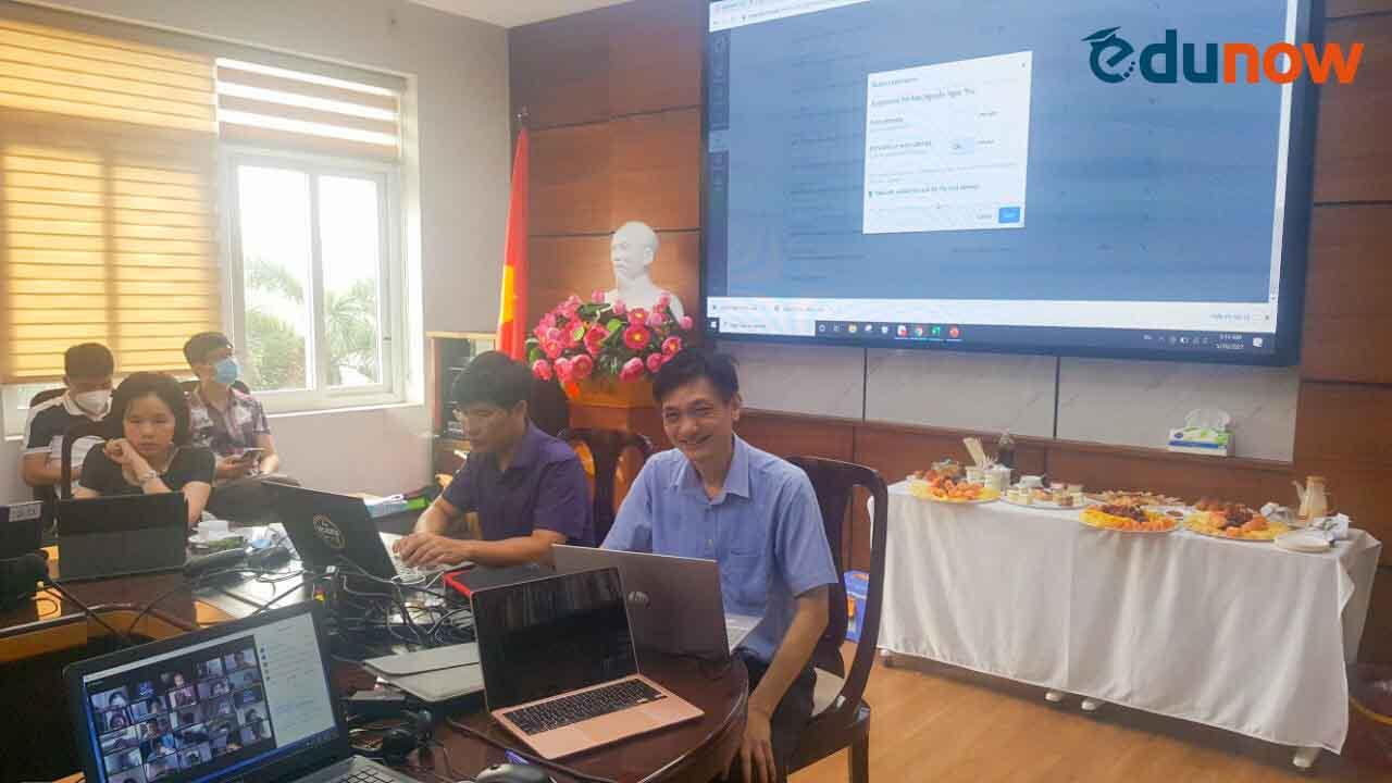 Ulis tổ chức thi trực tuyến tuyển sinh